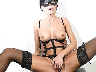 Housewife Natasha Plays With You!