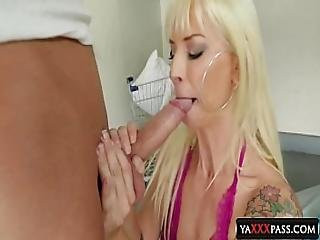 Feel The Mommy S Throat Blondies Pov Sellection Sarah Vandella Brooke Banner
