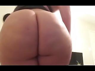 Princess Selena Big Butt Farting & Talking Dirty