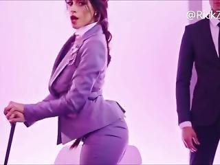 Camila Twerking Her Juicy Ass
