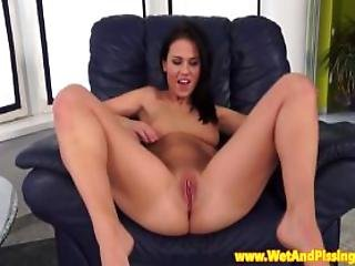 Pussyrubbing Piss Fetish Babe Teases Her Clit