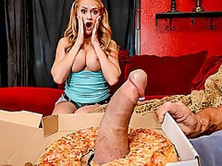 Kandance Kayne Pays The Pizza Guy By Fucking His Huge Cock
