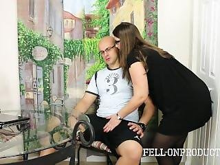 Big Ass Milf Mom Madisin Lee Fucks Stepson To Help Him Concentrate