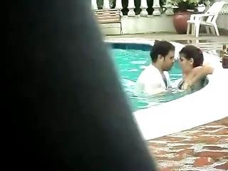 Indain Live Sex In Pool[nudeindiangirl.co]