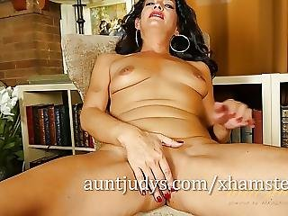 Gabrielle Lane Is Excited To Pose For Aunt Judys