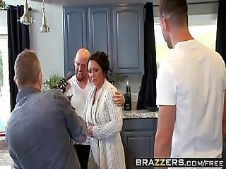 Brazzers - Mommy Got Boobs - Ashton Blake Mike Mancini - Pimp My Mom