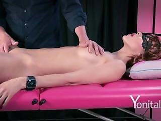 Yonitale: Beautiful Babe Has A Marvellous Orgasm.