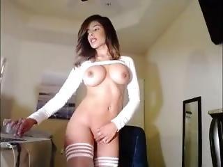 Beautiful Big Tit Bluesky Dances & Masturbates
