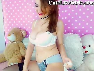 Shaved Pussy Cutelivegirls Com Horny Readhead Masturbates