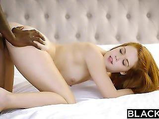 Teenager Brittney Banxxx Follada En Un Interracial Caliente Fearsome-menacing Porndoe