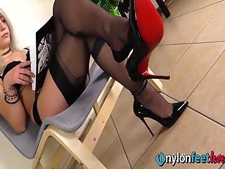 Sexy Blonde Dangles Her Shiny Black Pumps Till They Fall, Revealing Her Perfect Feet In Fully Fashioned Rht Stockings