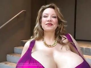 Chelsea Charms - Domcon Interview With Miss Chelsea