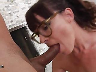 Sweet Babysitter Having Throat Deeply Throated