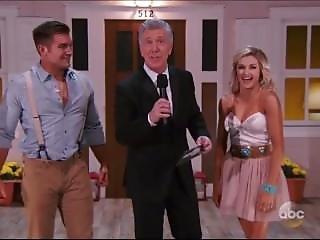 Lindsay Arnold Lifts Carlos Penavega