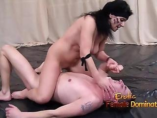 Nude Women Fighting Against Her Nude Male Opponent