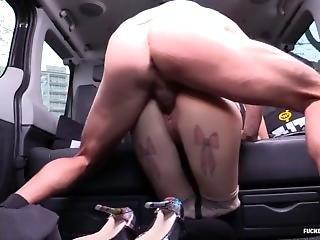 Chennai Escorts - Outdoor Hard Fucking In Car - Www.chennaiescortgirls.com
