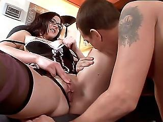 Secretary Enjoys Hot Oral