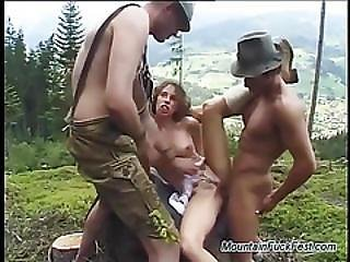 Cute Teen In A Extreme Threesome Dp