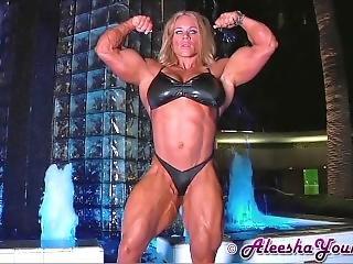 Ay15nude: Bikini Posing