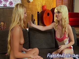 luder, blondine, lesbisch, lecken, muschi, muschi lecken, ringen
