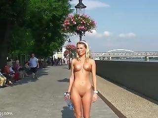 Laura Nude In Public