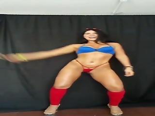 Karina Ortiz Colombiana Rica 5