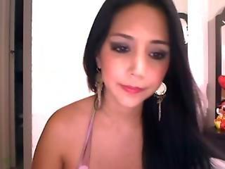 Beautiful Colombian Escort On Webcam