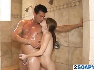 kąpiel, duza pyta, sperma, stymulacja wacka dłonią, masaż, suty, ruda, prysznic, szczupła, spa, wysoka