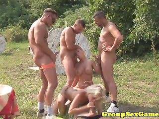 Real Army Babes Play Blowjob Game Before Fucking