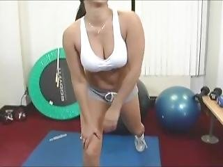 Sunny Leone Hot Workout In Gym