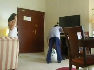 Desi Bhabhi Seduce Repair Boy Flashing