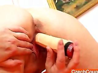 Very Smoking Hot Natural Big Boobies Mommy Lexa Dildo Action