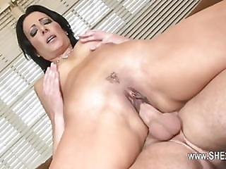 Brutally Sexy Babe Love Sexy Squirting