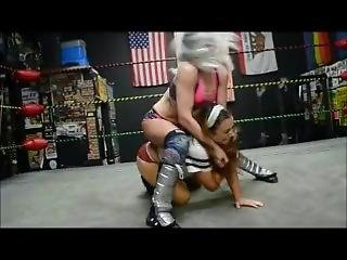 Jennifer Thomas Vs Ray Lyn. Female Pro Wrestling