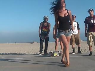 Hot Latina Natural Big Tits Bouncing Shuffling By Beach On Summer Day