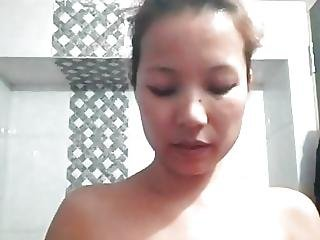 Woman Accidentally Goes Live On Facebook Before A Shower
