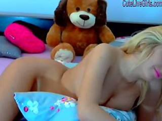 Gorgeous Blonde Masturbating With A Dildo Wmv