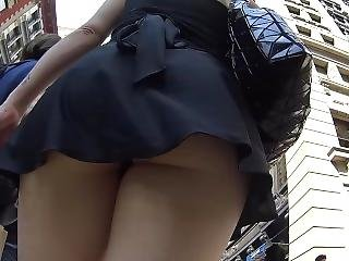Upskirt Vouyer Ass In Short Dress
