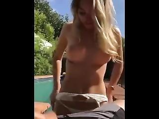 Meleg medence party pornó