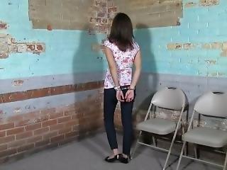 bondage, brunetka, więzienie