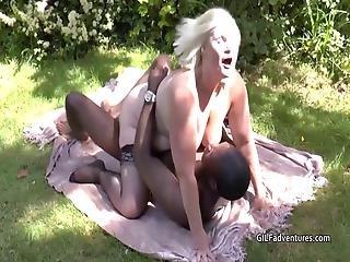 negro, rubia, blowjob, cum, abuela, duro, interracial, encaje, afuera de, sexo