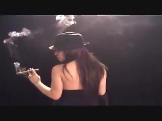 Cigarette, Star Du Porno, Fumeur
