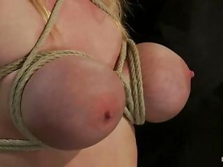 Blond, Bondage, Fetish, Svinebundet, Pornostjerne, Spruting, Bundet