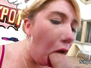 Striking Beauty Shows Oversized Butt And Gets Anal Hole Poked