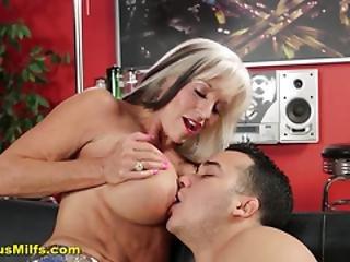 anal, stortuttad, blondin, röv, buttfuck, knullar, mogen, hora
