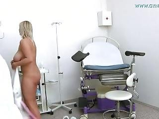Girls Visits Her Doctor For Gyno Exam. Pissing In A Gynecological Chair