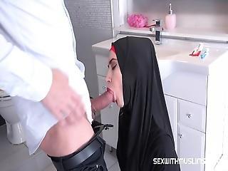 arabisk, badet, bitch, sjekkisk, doggystyle, håndjobb, pornostjerne, fitte, grovt, tynn, overrasket