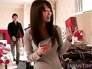 japanske store bryster strittende bryster