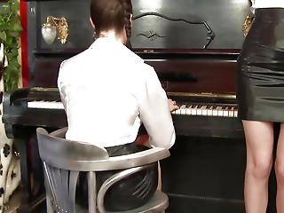 Spruce Lesbo Honeys Fuckfest With Piano Teacher