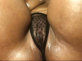 Rubbing My Juicy Pussy As I Leak, So Wet!